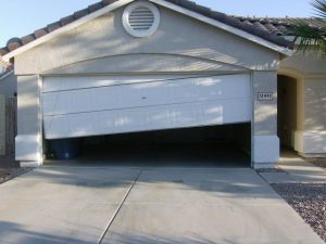 garage-door-off-tracks